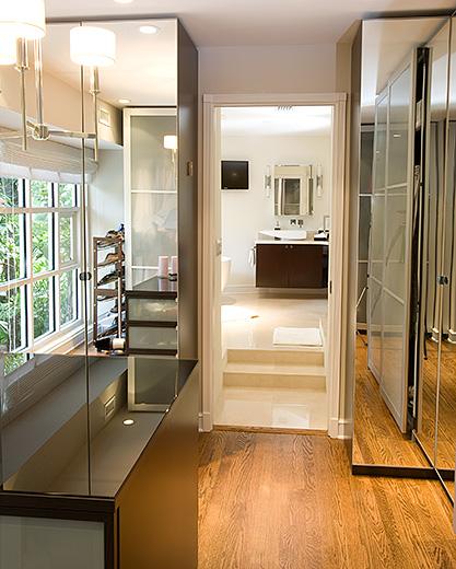 closet-to-bath